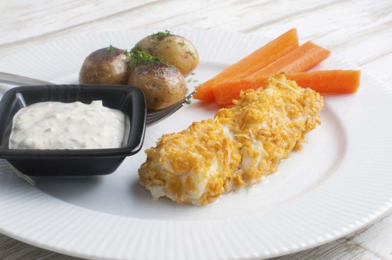Crunchy cod with tartar sauce